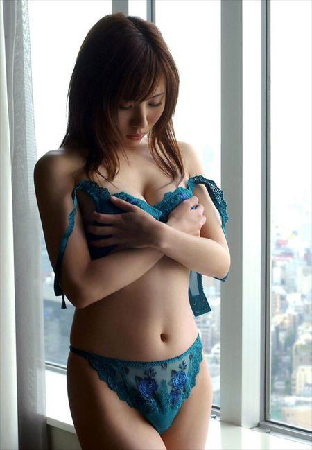 可愛い女の子が感じてるのを隠そうと横向きになってSEXYな姿になった画像[35枚] | ギャルル | エロ画像,羞恥プレイ,表情フェチ,エロ撮影