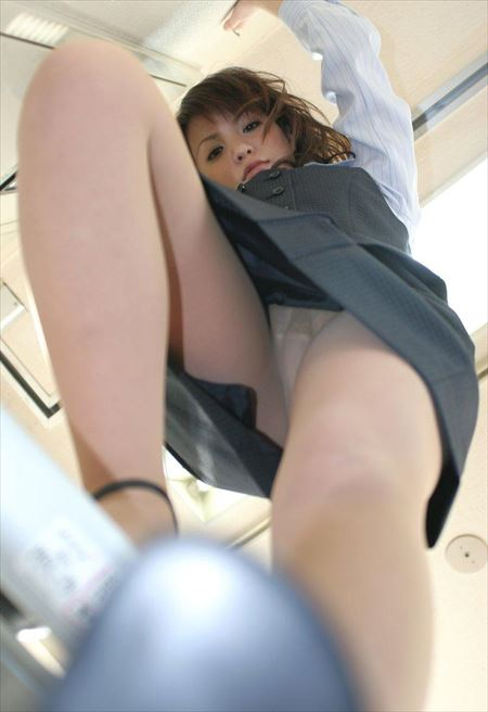 働くOLお姉さんがエロい体で誘惑してくる画像でシコシコしましょう[44枚] | おっぱい画像とエロメガネ | エロ画像,OL働くお姉さん,エロ撮影
