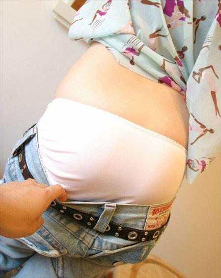 可愛い女の子がパンツ履いてるでエロい顔してる画像祭はココです[38枚] | Tバック好きのお尻フェチ画像ブログ | エロ画像,下着,パンツ,着エロ