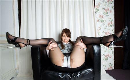 ギャルが脚を持ち上げてマンコ見せてる画像って必ず抜けるよね[29枚] | ギャルル | エロ画像,くぱぁ,マンコ