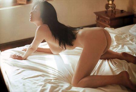 結構可愛い美女が四つん這いでHなお尻と太ももを見せてくれる画像をどうぞ[38枚] | おっぱい画像とエロメガネ | エロ画像,お尻,デカ尻,四つん這い,後背位