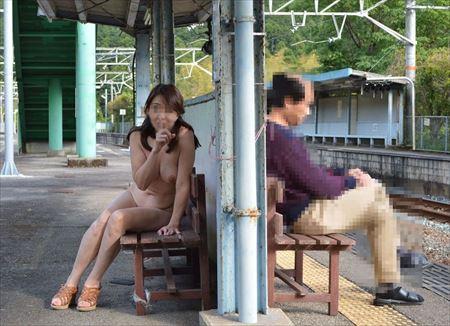エッチな美人さんが野外で変態露出してる画像のエロさは尋常じゃない[42枚] | 日刊:熟女と人妻エロス | エロ画像,野外露出,素人,エロ撮影,露出プレイ