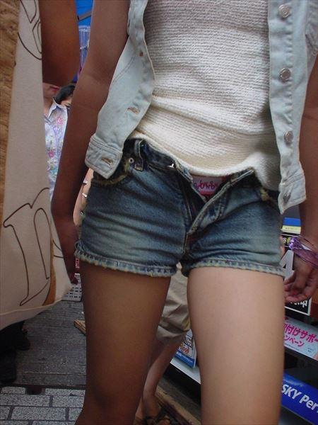 美人がショーパン&ホットパンツでエロい尻を見せてくれる画像でオナろうぜ![37枚] | ギャルル | エロ画像,お尻,デカ尻,ホットパンツ・ショートパンツ,脚フェチ,太もも