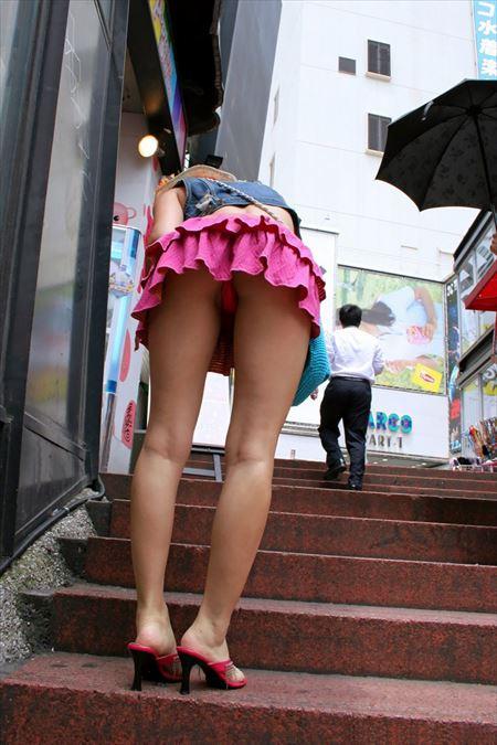 美女がローアングルから撮られた画像がアツい![46枚] | ギャルル | エロ画像,エロ撮影,盗撮,露出,ローアングル