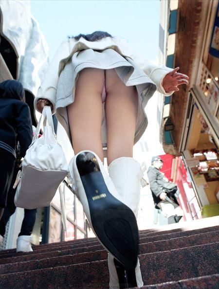 結構可愛い美人さんがローアングルから狙われた画像をご覧ください[40枚] | ギャルル | エロ画像,エロ撮影,盗撮,露出,ローアングル