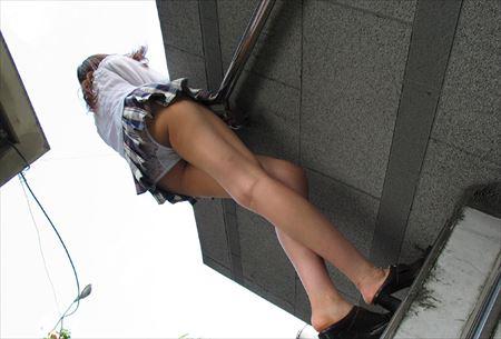 美女がローアングルから撮られた画像がアツい![43枚] | おっぱい画像とエロメガネ | エロ画像,エロ撮影,盗撮,露出,ローアングル