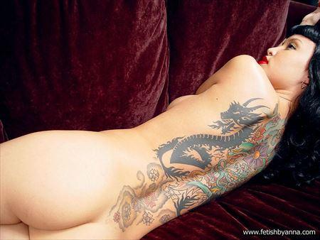 刺青入りの極道女房が卑猥なボディを見せてくれる画像見ようぜ[54枚] | ギャルル | エロ画像,極妻,刺青・タトゥー,エロ撮影