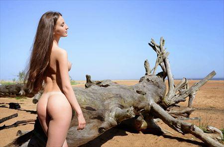 可愛いお姉さんが自然の中でヌードになってる画像[40枚] | ギャルル | エロ画像,野外露出,素人,エロ撮影,ヌード