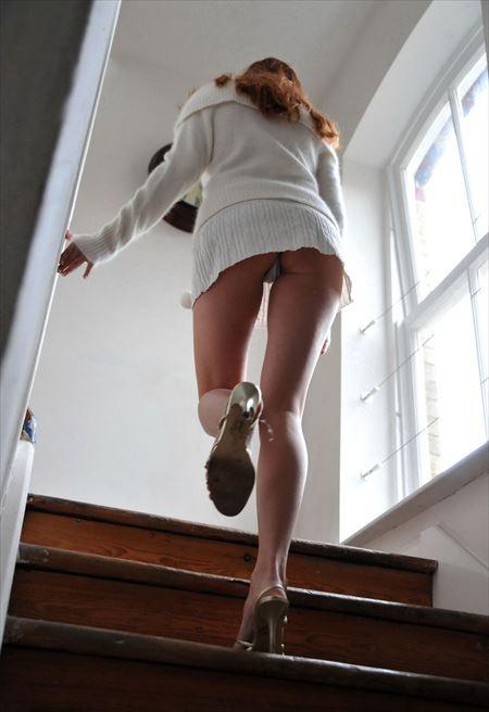 いい感じの女の子がローアングルで興奮させてくれる画像、俺氏が3回抜いたのがコチラ[50枚] | ギャルル | エロ画像,エロ撮影,盗撮,露出,ローアングル