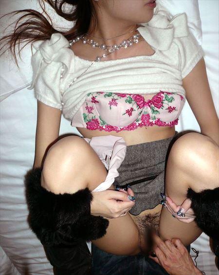 女が手マンでイキかけてる画像、勃起まで6秒ですわ[36枚] | ギャルル | エロ画像,手マン指マン,愛撫