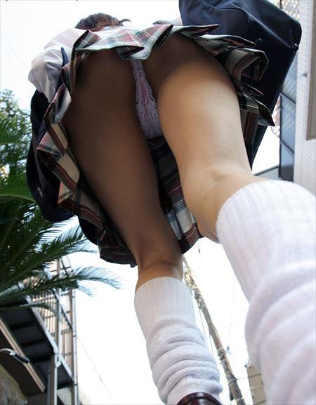 女が下から撮られた画像がたまらんエロさ[44枚] | ギャルル | エロ画像,エロ撮影,盗撮,露出,ローアングル