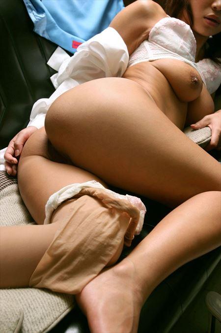 パンツ半脱ぎギャルがエロい尻を見せてくれる画像でオナろうぜ![48枚] | ギャルル | エロ画像,お尻,デカ尻,脱ぎかけ,着エロ,下着フェチ