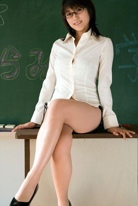 結構可愛い女教師がHな感じになってる画像が最高にアツい[32枚] | ギャルル | エロ画像,女教師