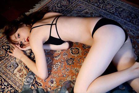 可愛い美女がエッチな美脚を丸出しにしてる画像、俺氏が3回抜いたのがコチラ[35枚] | ギャルル | エロ画像,太もも,脚フェチ,美脚
