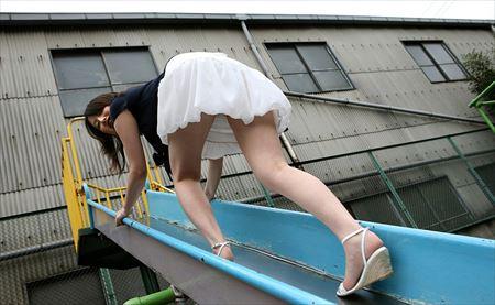 可愛い美女がエッチな美脚を丸出しにしてる画像、どれが一番抜ける?[42枚] | ギャルル | エロ画像,太もも,脚フェチ,美脚