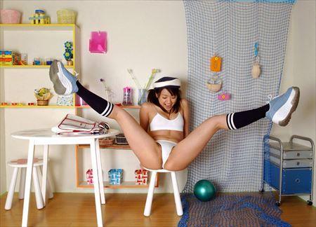 エッチなギャルがむっちり太もも見せてくれる画像でシコろうか[42枚] | ギャルル | エロ画像,太もも,脚フェチ,美脚