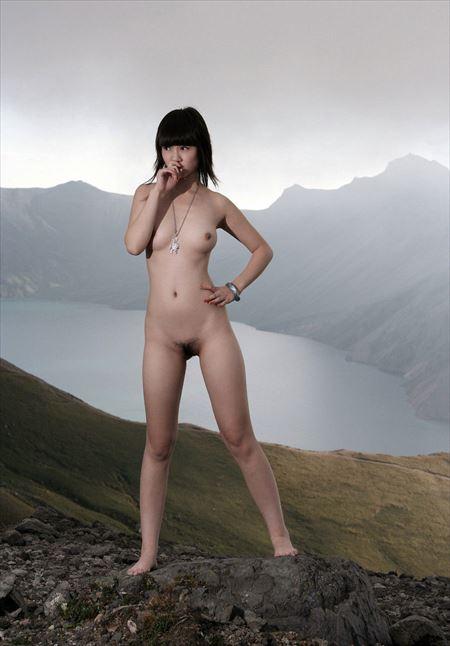 エロいカラダした女の子が大空の下でヌード姿になった画像、一番エロいのはコレ[30枚] | おっぱい画像とエロメガネ | エロ画像,野外露出,素人,エロ撮影,ヌード