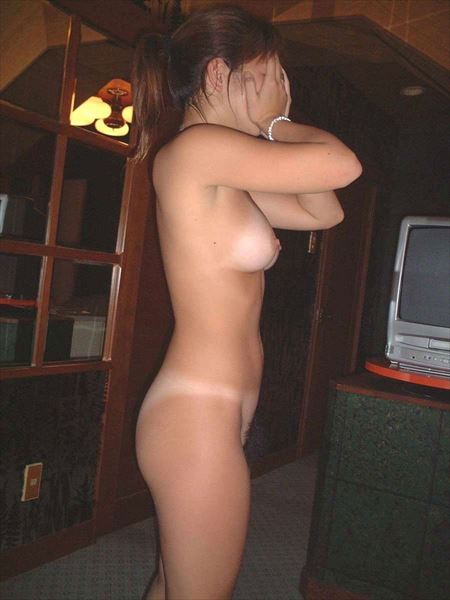 女が公衆で露出してる画像がセクシー過ぎて抜ける[42枚] | おっぱい画像とエロメガネ | エロ画像,野外露出,素人,エロ撮影,露出プレイ
