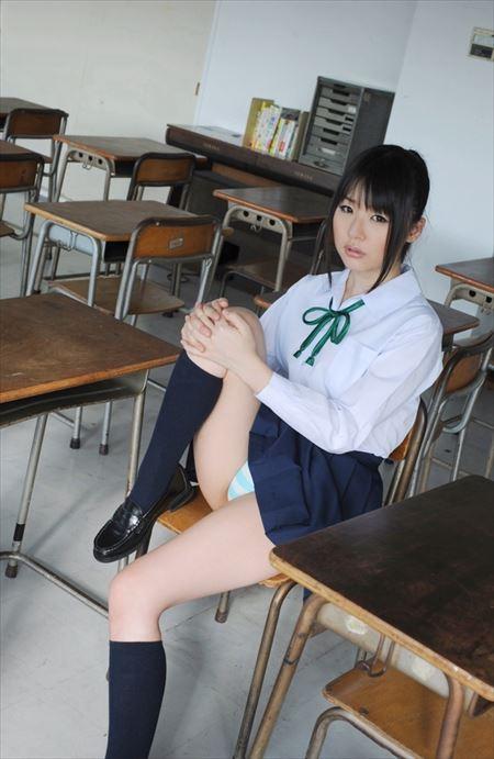 女子高コス美女が制服で卑猥なボディを見せてくれる画像で、まったりシコシコ[42枚] | ギャルル | エロ画像,JK女子高生,コスプレ,制服,JK女子高生,コスプレ,エロ撮影