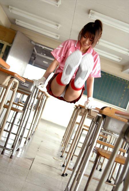 ムッちりとした運動部娘がエロいサービスしてる画像のエロさは尋常じゃない[28枚] | おっぱい画像とエロメガネ | エロ画像,ムチムチ,ぽっちゃり,巨乳,アスリート,陸上選手,スポーツコス,コスプレ