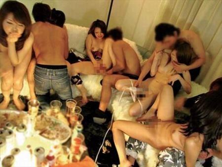 エッチなギャルが乱交SEXしてる画像で抜いてみた[36枚] | エロコスプレ画像堂 | エロ画像,乱交