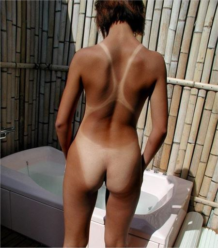 日焼けで水着のあとが分かるお姉さんがエロい事してる画像をご覧ください[37枚] | ギャルル | エロ画像,日焼け,水着