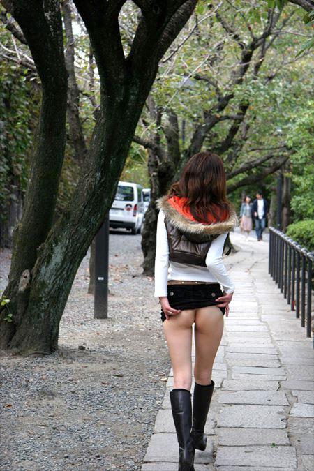 女の子が破廉恥ミニスカでお尻を突き出してる画像で、特にエロいの集めました[43枚] | おっぱい画像とエロメガネ | エロ画像,お尻,デカ尻,ミニスカート,脚フェチ,太もも