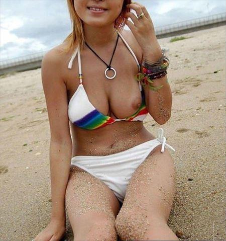 よくいる普通の美人さんがエッチな事してる画像がたまらんエロさ[38枚] | ギャルル | エロ画像,チラリズム,胸チラ,乳首,素人