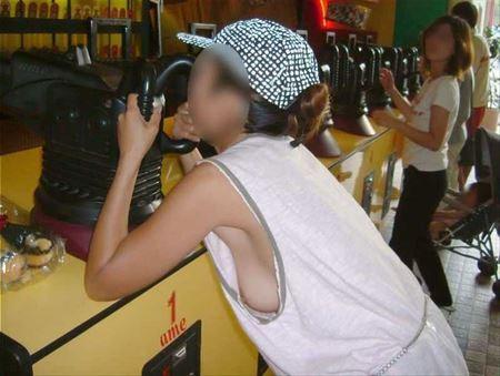 普段のままのお姉さんがエロい顔してる画像の頂点を決めようジャマイカ[38枚] | ギャルル | エロ画像,チラリズム,胸チラ,乳首,素人