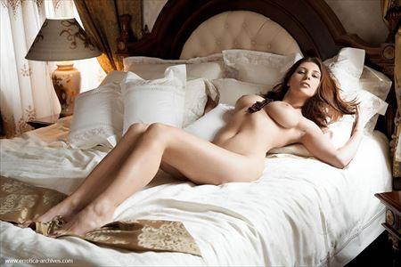 可愛いお姉さんが全裸で男を誘惑してる画像をどうぞ[26枚] | ギャルル | エロ画像,フルヌード,エロ撮影