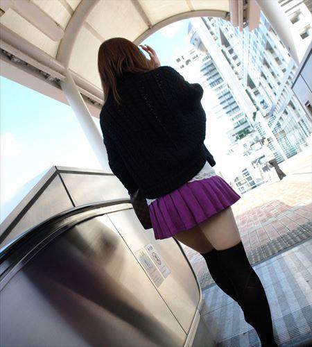 色気のあるお姉さんがニーソ着衣のままで淫乱になった画像がセクシー過ぎて抜ける[43枚] | ギャルル | エロ画像,着衣SEX,着エロ,ニーソ