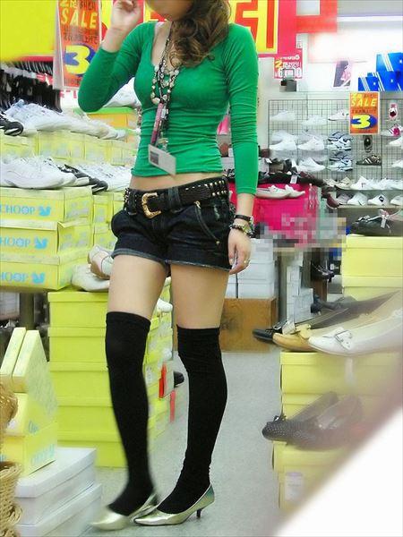いい感じの美人さんが着衣ニーソでエッチなおねだりしてる画像をどうぞ[36枚] | おっぱい画像とエロメガネ | エロ画像,着衣SEX,着エロ,ニーソ