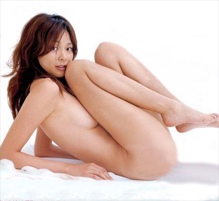 パフパフ美乳の美人が全裸で淫乱になった画像って、つい見ちゃうよね[33枚] | おっぱい画像とエロメガネ | エロ画像,おっぱい,フルヌード