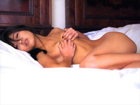 可愛い美女がまっぱで寝そべってSEXYになった画像がたまらんエロさ[33枚] | ギャルル | エロ画像,フルヌード