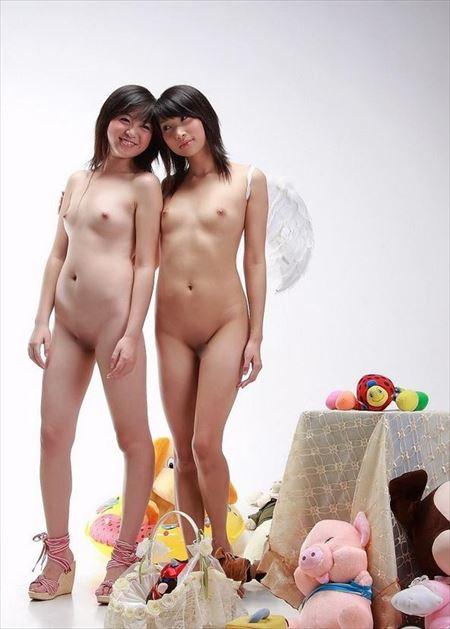 柔らかそうな乳のお姉さんがまっぱでHな事してる画像、一見の価値あり[33枚] | ギャルル | エロ画像,おっぱい,フルヌード