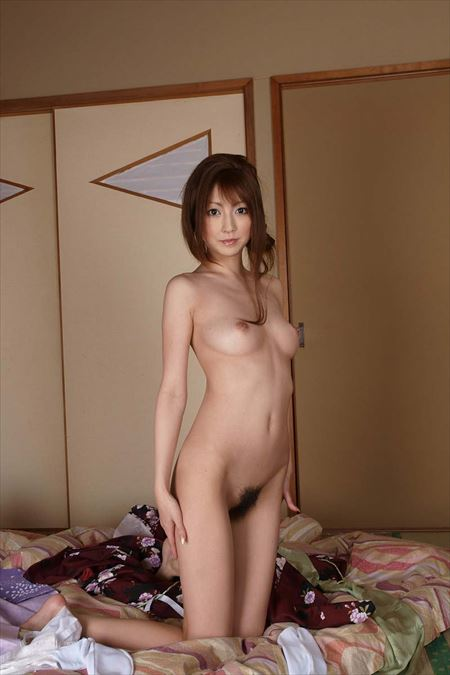 プリップリおっぱいの女が全裸でエロポーズで誘ってる画像の素晴らしさを実感するスレ[33枚] | ギャルル | エロ画像,おっぱい,フルヌード