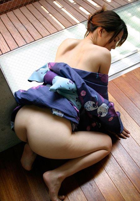 美女が肌蹴け着エロ浴衣でエロエロになってる画像がたまらんエロさ[43枚] | ギャルル | エロ画像,着エロ,着衣,浴衣,和装着物