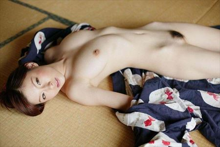 色気のあるお姉さんが浴衣脱ぎかけで淫乱になった画像がアツい![43枚] | おっぱい画像とエロメガネ | エロ画像,着エロ,着衣,浴衣,和装着物