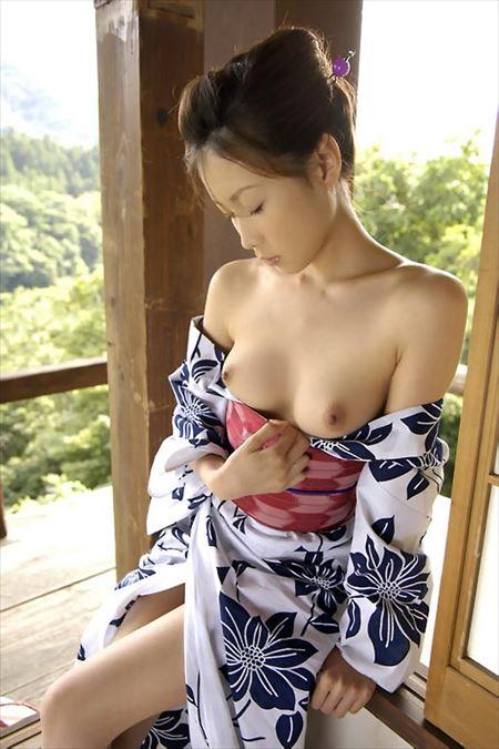 結構可愛い女の子が浴衣で誘惑してくる画像を眺めようジャマイカ[32枚] | 日刊:熟女と人妻エロス | エロ画像,浴衣,和装着物