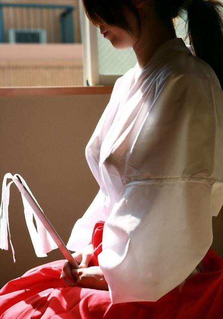 可愛い美女が着物肌蹴け着エロでエロエロになってる画像が勃起不可避ww[50枚] | ギャルル | エロ画像,着エロ,着衣,浴衣,和装着物