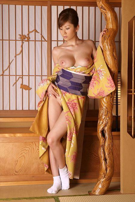 結構可愛いお姉さんが和服・着物浴衣でエロい顔してる画像で今からオナニーしてくる[38枚] | 日刊:熟女と人妻エロス | エロ画像,浴衣,和装着物