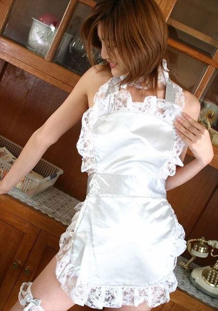 若奥さんが裸エプロン姿でふしだらな姿になった画像をご覧ください[38枚] | ギャルル | エロ画像,主婦人妻,裸エプロン,コスプレ,エロ撮影