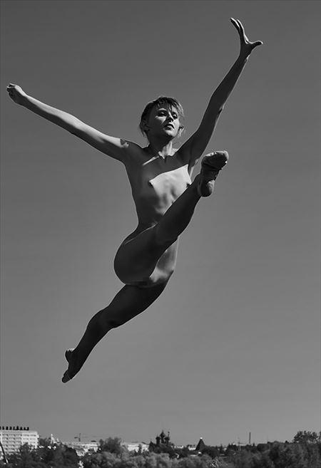 色っぽいバレエダンサーが全裸でヌード姿になった画像、一見の価値あり[18枚] | おっぱい画像とエロメガネ | エロ画像,バレエダンサー,コスプレ,フルヌード,エロ撮影,ヌード