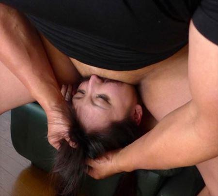 美女がイラマチオで頭をグイっと引き寄せられてる画像がアツい![25枚] | ギャルル | エロ画像,フェラチオ,イラマチオ