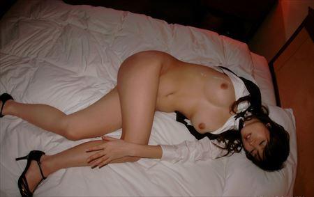 お姉さんがエッチ後でベッドに横たわる画像って、結構ヌケるんだよな[18枚] | ギャルル | エロ画像,エロ撮影,セックス直前・直後,愛撫,素人