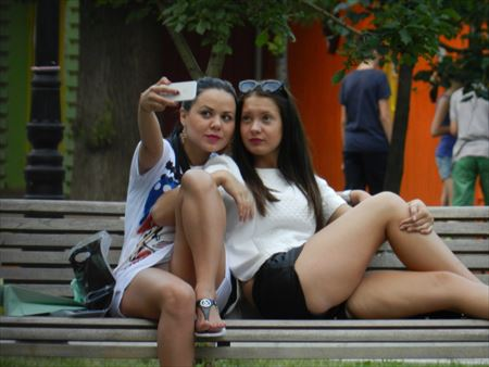 カメラ女子がパンチラしてる画像の破壊力高すぎwwww[20枚] | ギャルル | エロ画像,カメラ女子,チラリズム,パンチラ