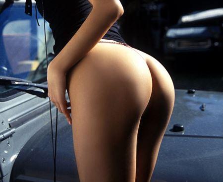 パンティ脱ぎかけ女がヒップラインをモロ見せしてる画像、コレは勃起するわw[30枚] | ギャルル | エロ画像,お尻,デカ尻,脱ぎかけ,着エロ,下着フェチ