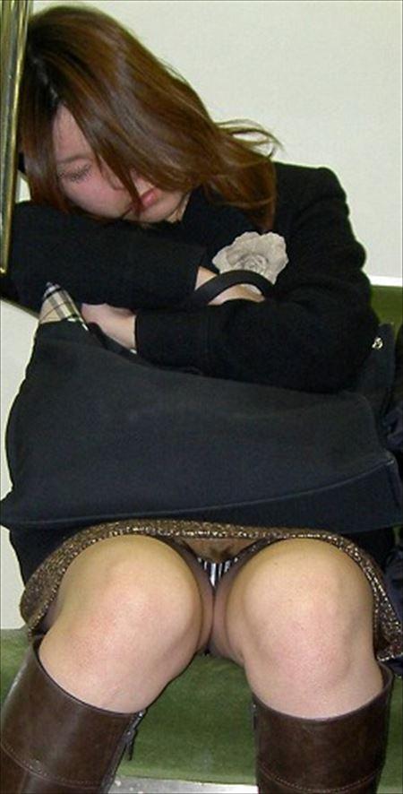 アラフォーのお姉さまがパンティ見えちゃってる画像が最高にアツい[13枚] | Tバック好きのお尻フェチ画像ブログ | エロ画像,アラフォー,30代,40代,熟女,熟女,主婦人妻,チラリズム,パンチラ