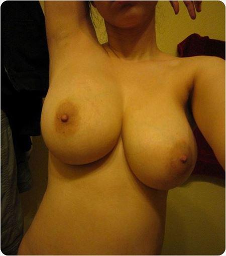 若いEカップ巨乳の新妻のおっぱい強調画像って、結構ヌケるんだよな[15枚] | Tバック好きのお尻フェチ画像ブログ | エロ画像,おっぱい,巨乳,20代,主婦人妻
