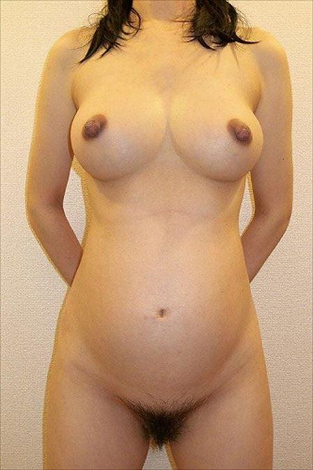 妊娠ポテ腹の奥さんが大胆ヌードで微笑む画像をうp[15枚] | おっぱい画像とエロメガネ | エロ画像,妊婦,主婦人妻,エロ撮影,ヌード